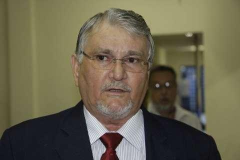 """Bernal optou por um """"homem sem história política"""", critica Zeca do PT"""