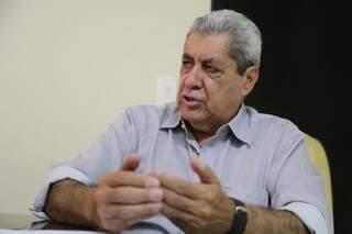 Ex-governador André Puccinelli concedeu entrevista na direção estadual do PMDB (Foto: Marcos Ermínio)