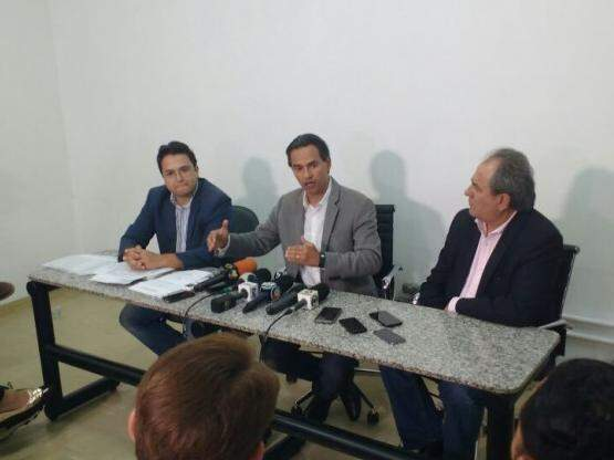 Marquinhos Trad durante coletiva de imprensa (Foto: Alberto Dias)