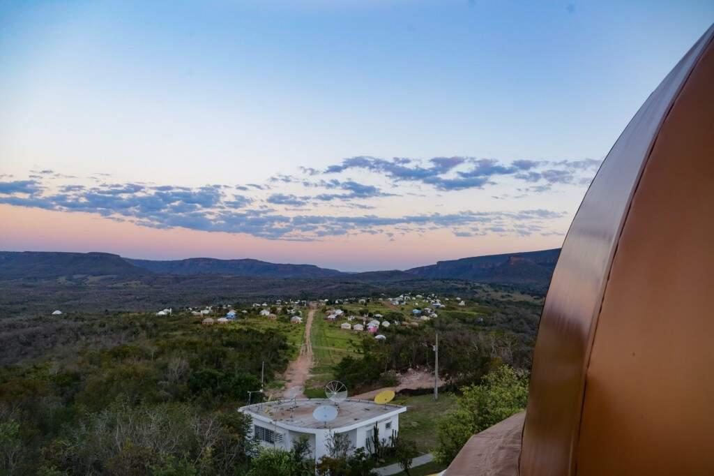 Do observativo é possível ver a cidade que se estende abaixo (Foto: Kísie Ainoã)