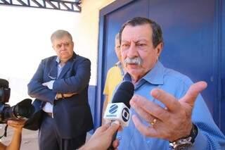 Marun foi ao Centro de Triagem acompanhado do advogado Renê Siufi (Foto: André Bittar)