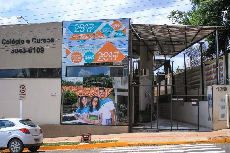 O Refferencial Colégio e Cursos fica na Rua da Imprensa, 139, Bairro Monte Castelo.