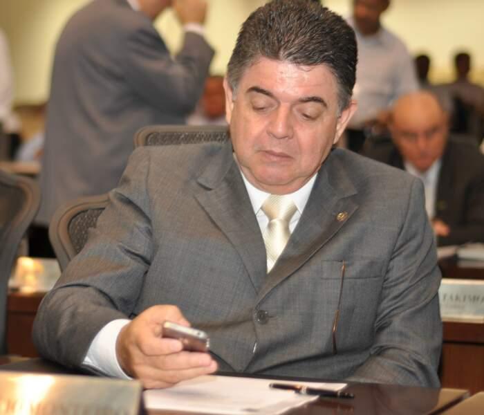 Deputado Márcio Monteiro disse que a recíproca é verdadeira e sugeriu apoio do PMDB ao PSDB (Foto: Marlon Ganassin)