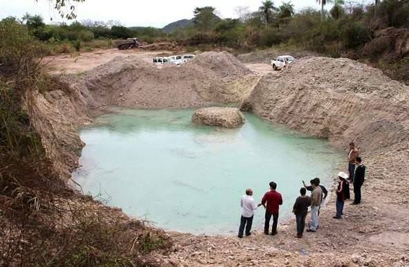 A mina apareceu no assentamento São Gabriel, localizado há 50 km de Corumbá. (Foto: Marcos Boaventura/ Prefeitura de Corumbá)