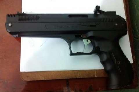 Polícia apreende menor após tentativa de assalto com arma de brinquedo