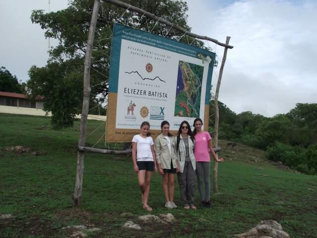 Esposa e filhas do velejador visitaram Pantanal durante cinco dias no mês passado. (Foto: Divulgação)