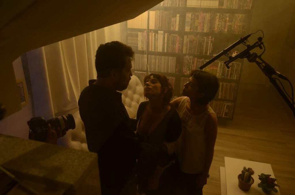 Uma das cenas de Abissal, gravadas em uma casa da Vila Polonês, em Campo Grande. (Foto: Vade Retro Produções)