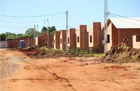 Mutirão e transparência no sorteio de casas são propostas para habitação