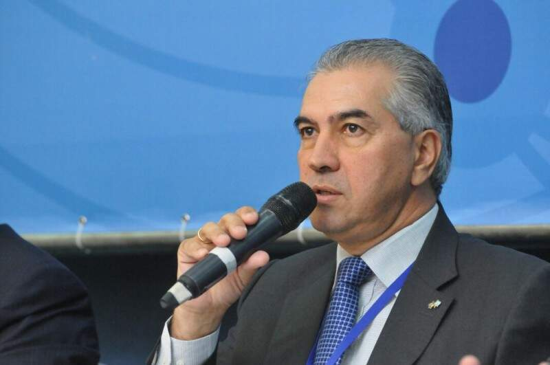 Governador Reinaldo Azambuja durante Fórum Brasil Central em Bonito (Foto: Alcides Neto)