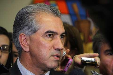 Governador aprova fim da reeleição, mas não descarta se beneficiar dela