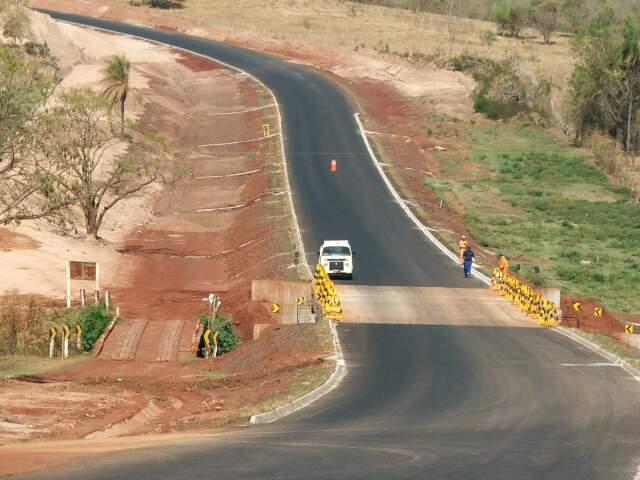 MS-436, que liga Camapuã, Figueirão e Alcinópolis, 83% da pavimentação concluída. Trecho tem 136,45 quilômetros ao todo. (Foto: Divulgação)