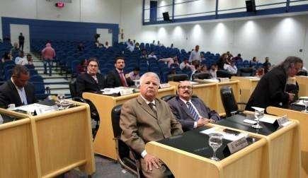Câmara Municipal realiza sessão comunitária e vota projetos do Prodes