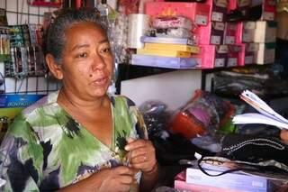 Comerciante e pastora, Sônia Mendes, reclama da violência no local (Foto: Marcos Ermínio)