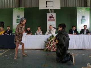 Alunos da rede estadual apresentaram teatro para autoridades. (Foto: Fernando Antunes)