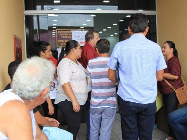 Feira em frente ao Ministério do Trabalho em Campo Grande (Foto: Marina Pacheco/Arquivo)