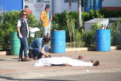 Mecânico morto em posto na Avenida Duque de Caxias foi atingido por 15 tiros