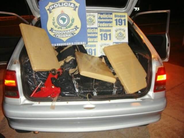 Veículo e droga foram levados para Três Lagoas. (Foto: Divulgação)
