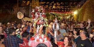 Tradicional banho de São João será na terça-feira em  Corumbá. (Foto: Anderson Gallo/Divulgação)