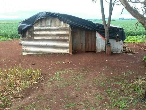 Crime ocorreu em um barraco perto da BR-463 (Foto: Divulgação)