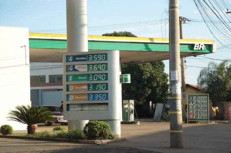 Preço médio do litro da gasolina em Campo Grande é de R$ 3,59, alta de 1,9% em quatro semanas. (Foto: Fernando Antunes)