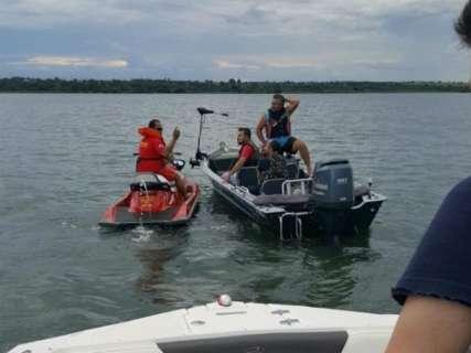 Homens caem de barco durante passeio no rio Sucuriú e estão desaparecidos