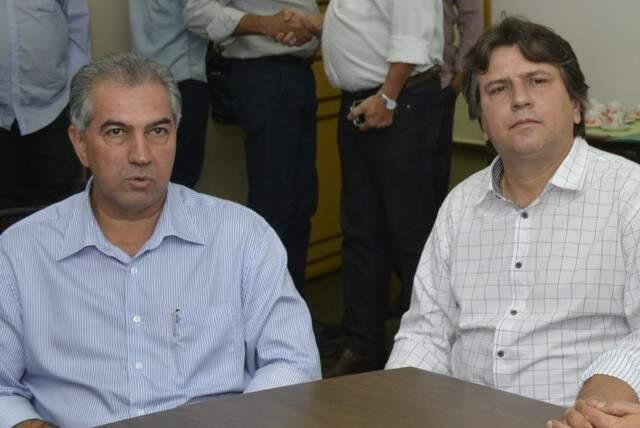 Caravina (dir.) ao lado do governador Reinaldo Azambuja, irá manter o PSDB no comando da Assomasul (Foto: Arquivo)