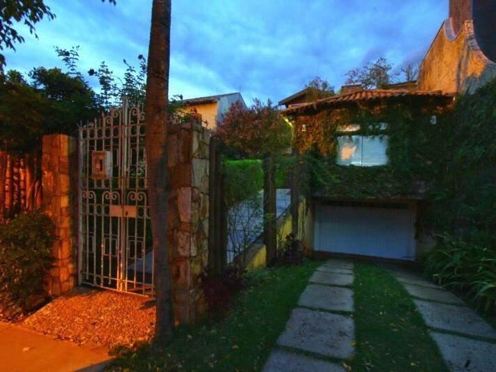 Sem muro, casa na Alagoas tem história e beleza por dentro e por fora. (Foto: André Bittar)