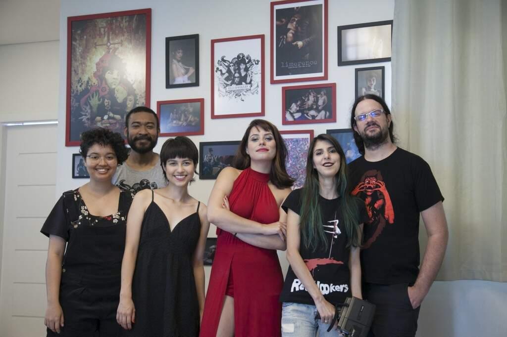 Equipe reunida nas gravações de Abissal. (Foto: Vade Retro Produções)