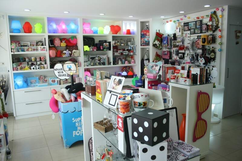 Loja chama atenção pela variedade de produtos engraçados, que fogem do padrão. (Fotos: Marcos Ermínio)