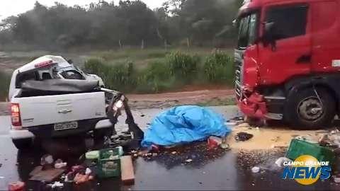 Trânsito complica após acidente com vítima na BR-163
