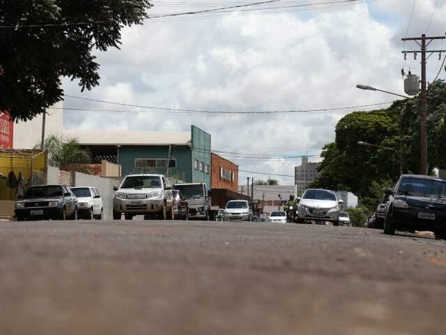 Rua Brilhante é uma das que terá asfalto trocado (Foto: Marcos Ermínio)