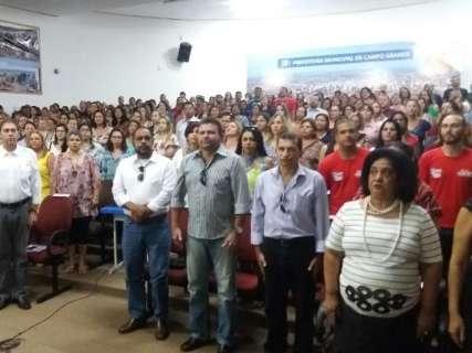 À espera de proposta da Prefeitura, professores farão três dias de greve