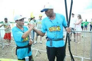 Pai e filho de apenas 15 anos competiram no Rio Paraguai (Foto: Marcos Ermínio)