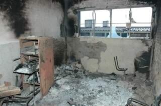 Com exceção das celas, presídio foi destruído. (Foto: Adriano Hany/Arquivo)