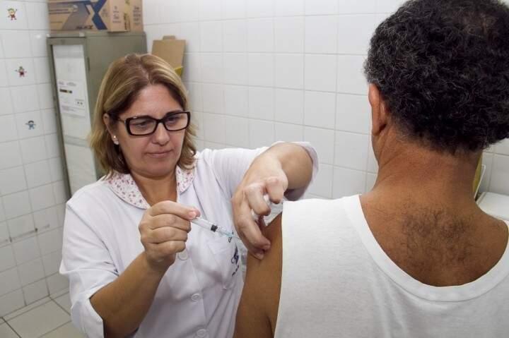 É importante lembrar que a vacina só faz efeito após 15 dias de sua aplicação. (Foto: divulgação Sesau)