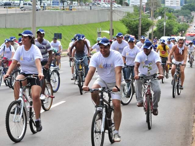 Ciclista pedem paz e mais respeito. (Foto: João Garrigó)