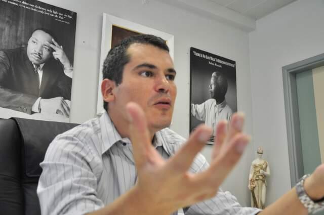 Promotor explica que dolo eventual envolve circunstâncias do fato. (Foto: João Garrigó)