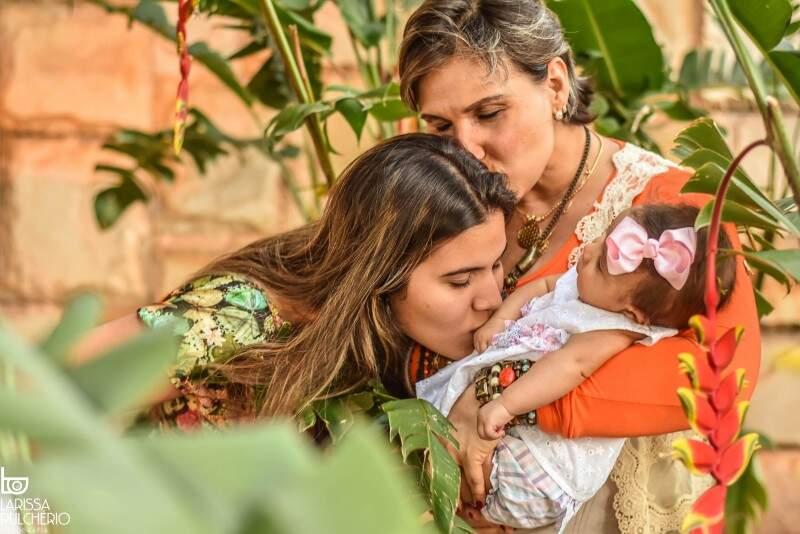 As meninas de Carol, Victoria e Manu juntas em um registro (Foto: Larissa Pulchério)