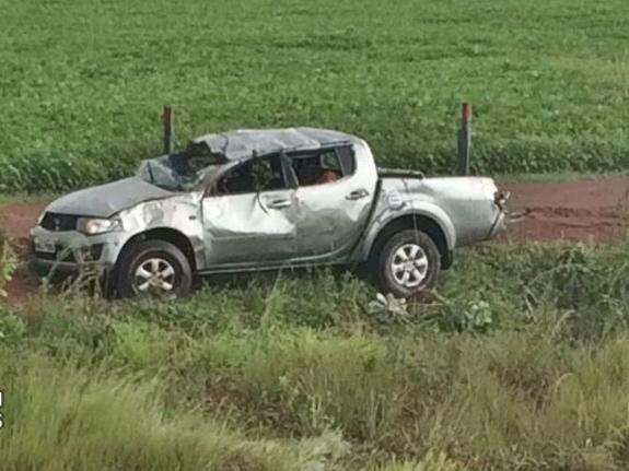 Veículo ficou bastante destruído após acidente. (Foto: Jose Pereira / Sidrolandia News)