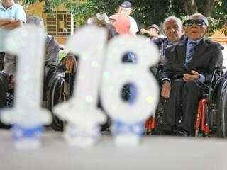 Não é todo dia que se conhece alguém com 116 anos.  (Foto: Marcos Ermínio)