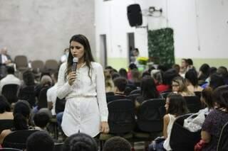 Lucélia na palestra em Campo grande