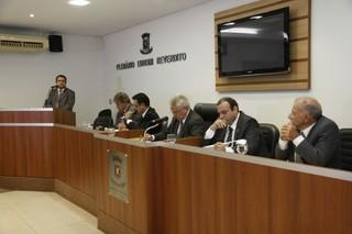 O advogado de Bernal, Jesus Sobrinho, acompanhou todos os depoimentos desde o primeiro dia de oitivas (Foto: Cléber Gellio)