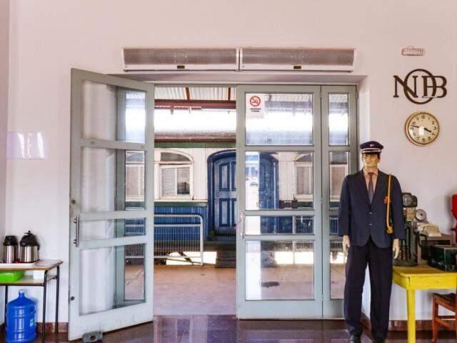 Sala de associação que preserva a memória do trem na Esplanada Ferroviária. (Foto: Henrique Kawaminami)