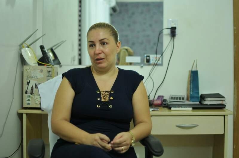 Andréia, a mãe de Vittor, sente como se tudo tivesse acontecido ontem. (Foto: Alcides Neto)