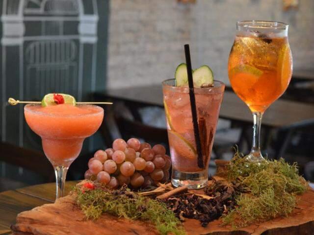 Bebidas refrescantes são as sugestões para os dias quentes de verão. (Foto: Thailla Torres)