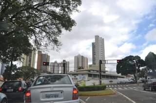 Quinta-feira de céu nublado e previsão de frio amanhã na Capital. (Foto: Marcelo Calazans)