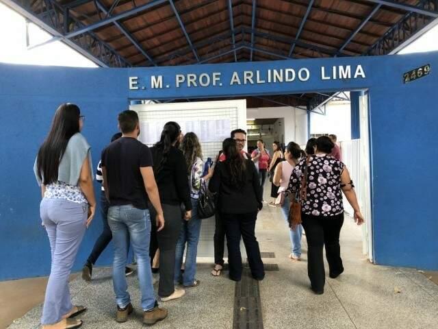 Escola Municipal Arlindo Lima, durante eleição para conselheiro (Foto: Arquivo)