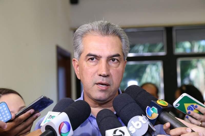 Reinaldo participa de reunião com ministro da Justiça, para tentar uma solução ao conflito indígena no Estado (Foto: Fernando Antunes)