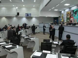 Vereadores durante sessão realizada nesta quinta-feira na Câmara Municipal (Foto: Divulgação)