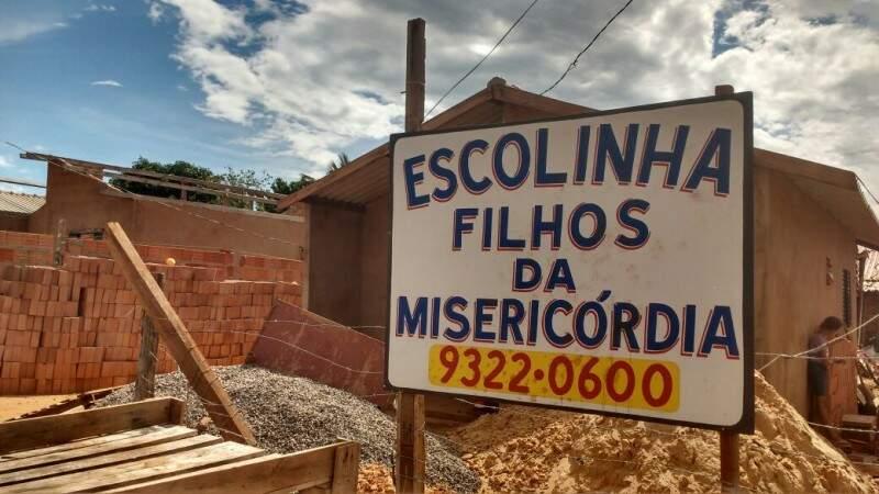 A Escolinha perdeu muita coisa nos dias de chuva, mas recebeu materiais como donativos. (Foto: Simão Nogueira)